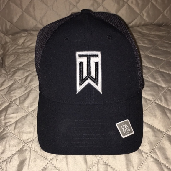 5170b031 Nike Accessories | Tiger Woods Collection Golf Black Hat | Poshmark